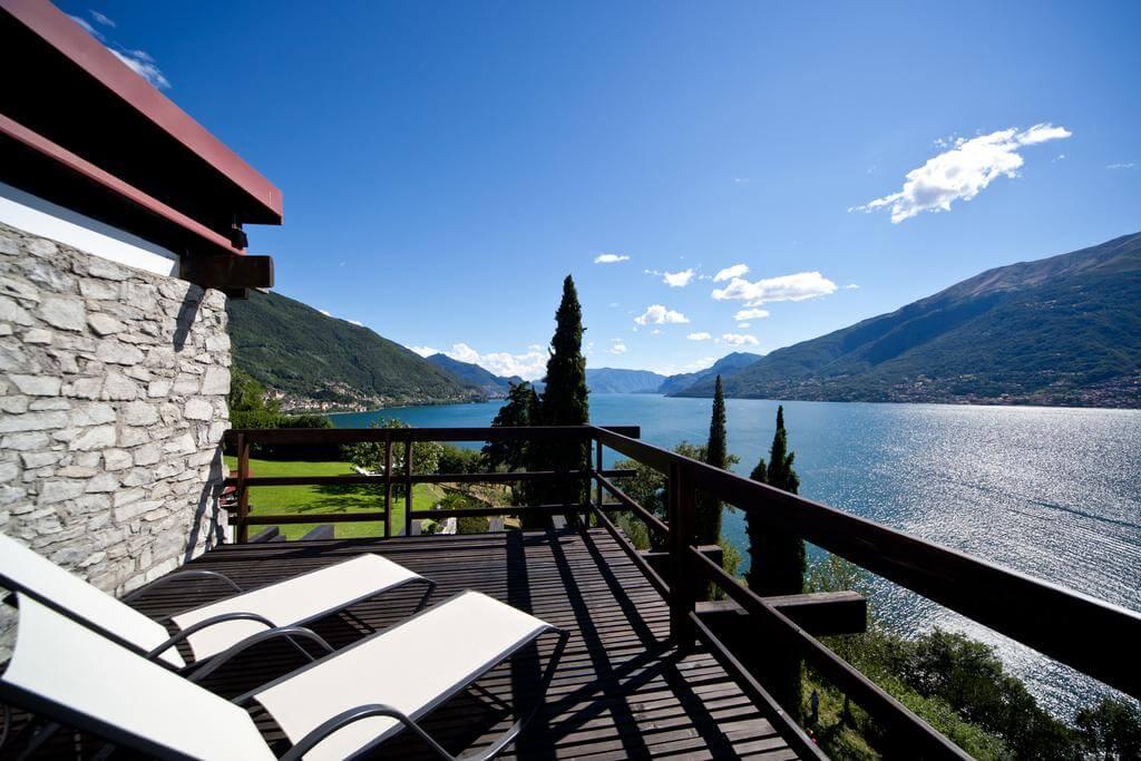 villa-meraviglia-colico-03-sdraio-con-vista-lago