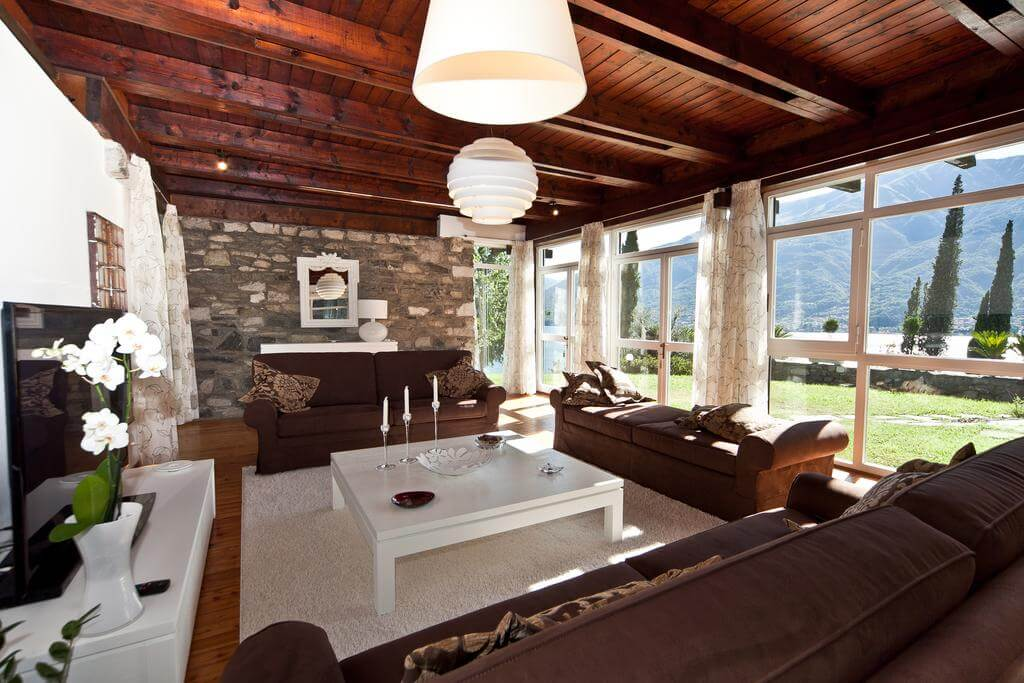 villa-meraviglia-colico-12-salotto-con-vista-lago