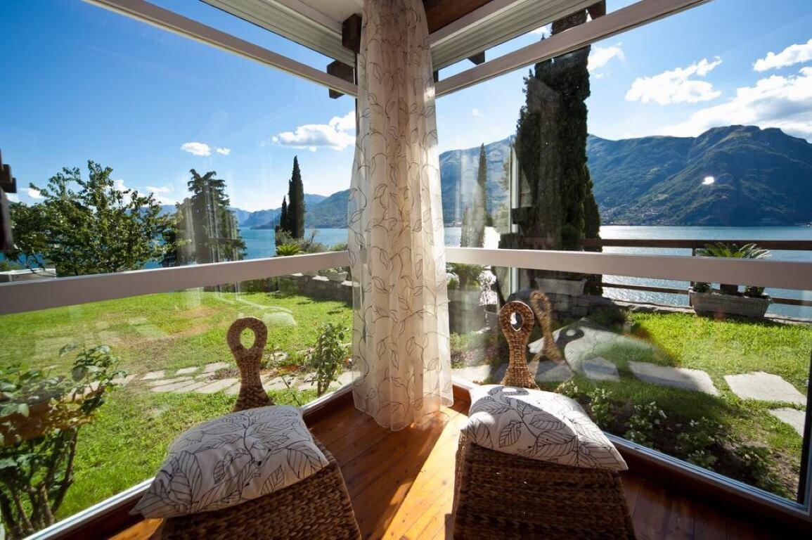 villa-meraviglia-colico-13-sedie-in-vimini-vista-lago