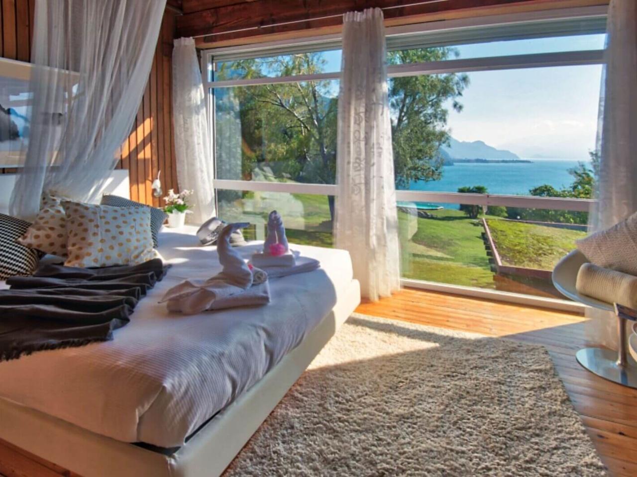 villa-meraviglia-colico-15-camera-con-cigni-vista-lago